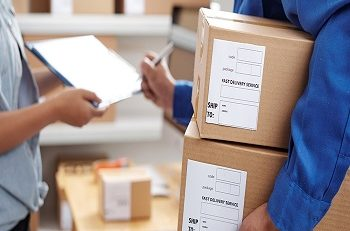 How to Ship Important Documents Through Courier